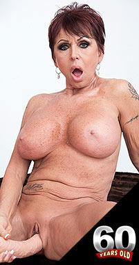 Nude goth school girl