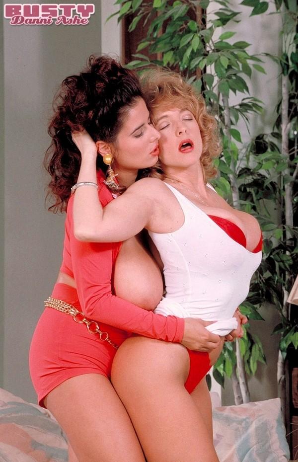 Danni & Chloe Vevrier Toastin' Tits