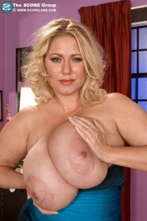 Meredith salenger nude photos