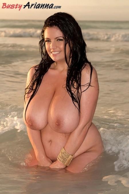 Arianna's Big Boob Beach Show!