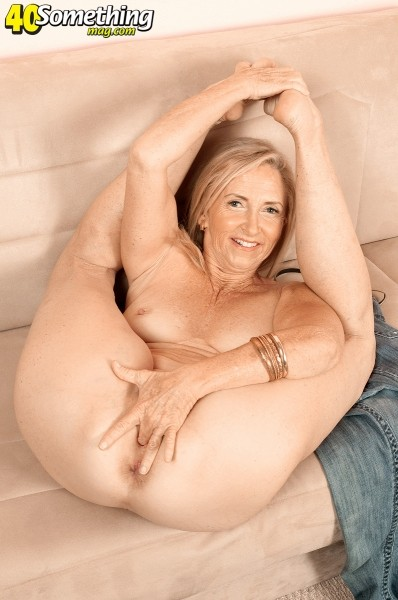 Blondes with dildos