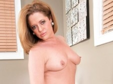 Small-town MILF, big-time load