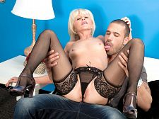 She's a first-timer, but this babe copulates love a experienced!