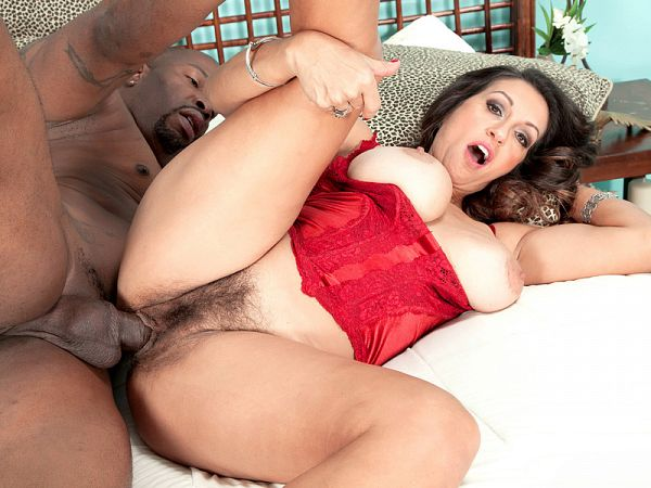 Persia's hairy pussy creampie: what a fucking mess!