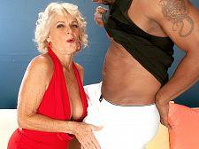 Big dark-skinned weenie makes Georgette cum hard