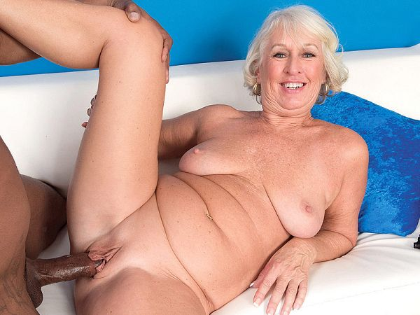 A creampie for Jeannie Lou
