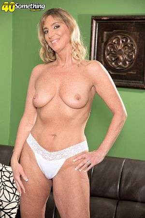 Old white milf first time then he follows 9