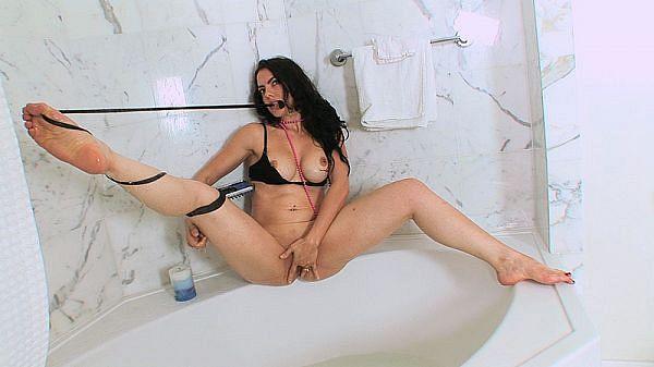 Dede's Shower Show