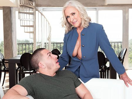 Busty 60Plus realtor Katia fucks 23-year-old client
