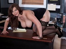Jessica Roberts, stacked police officer