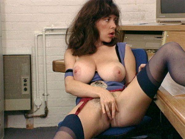 Diana Wynn Spanks Her Pussy To Porn