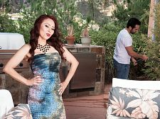 Red-hot SEXY HOUSEWIFE Claudia gets ass-fucked by the gardener