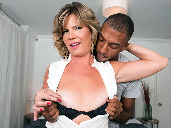 A BBC, toys and an ass-fucking for Hannah Grace