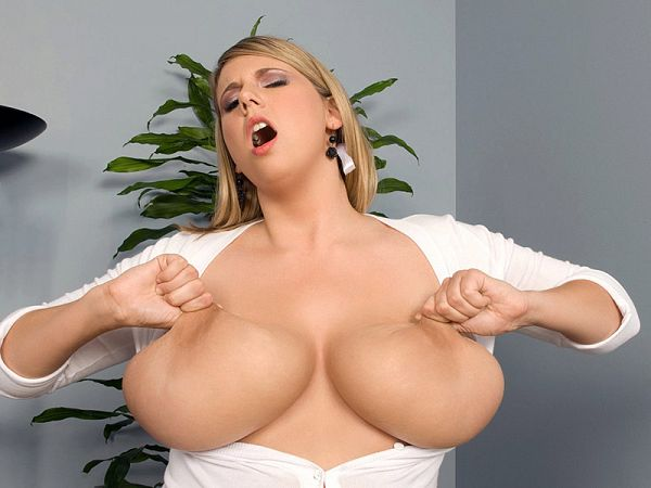 Girl With A Rack
