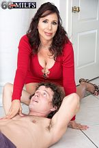 A new 60Plus MILF who's short 'n' stacked