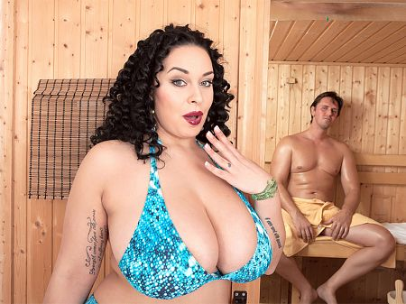 Hot sauna, hot times with Anastasia Lux