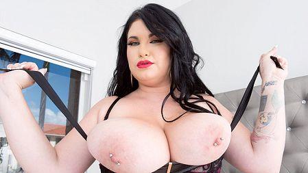 Hot Kitty, Huge Titty
