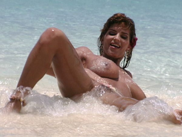 Melody Foxxe In The Bahamas