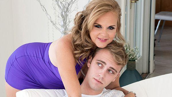 Micky Lynn fucks her daughter's boyfriend
