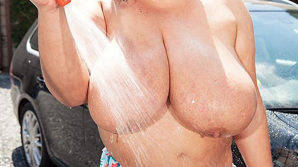 The XL Girls Car Wash